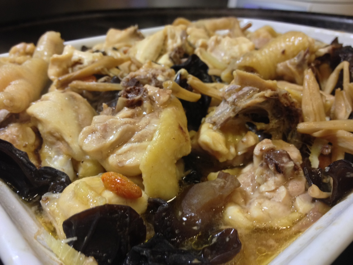 Steamed Chicken With Fungus And Goji Berries Homemade In