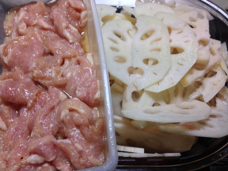 thinly slice the pork and lotus root, then marinate the pork