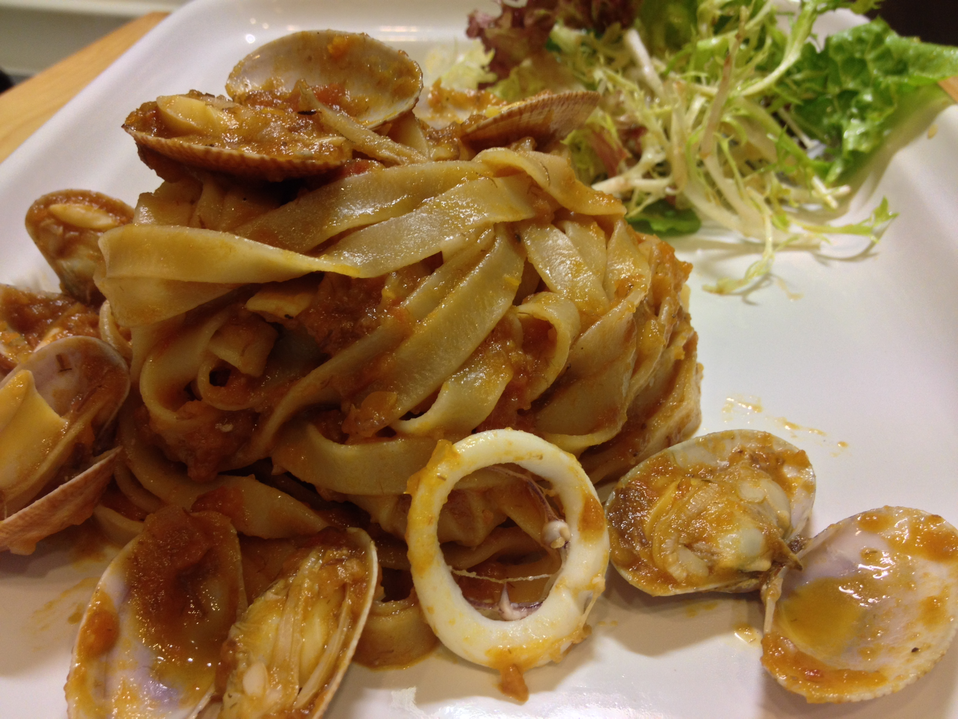 Linguine With Tomato Clam Sauce Recipe — Dishmaps